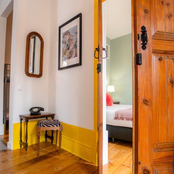 portas antigas apartamento